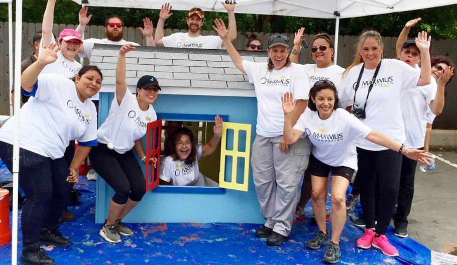 Big hearts build tiny houses in Texas